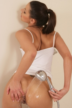 Wet Claudia