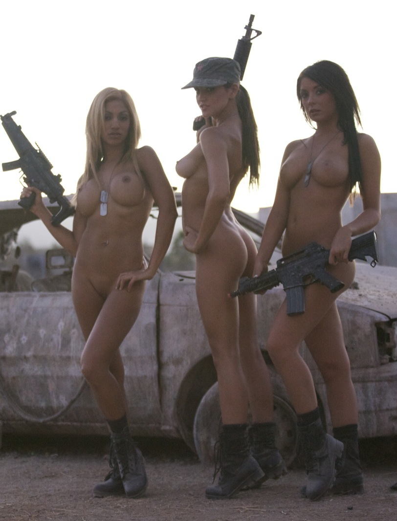 Фото девушек в армии голых 23 фотография