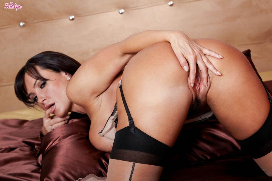 фото голой пизды лизы энн